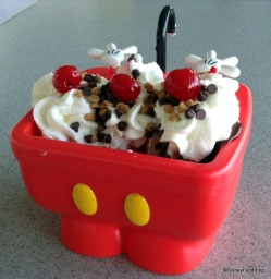 Mickey-Kitchen-Sink-Sundae